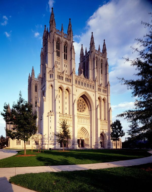 Grace Online Academy: Introducing the Washington National Cathedral